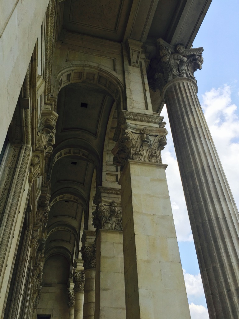 Balcony columns and ceiling