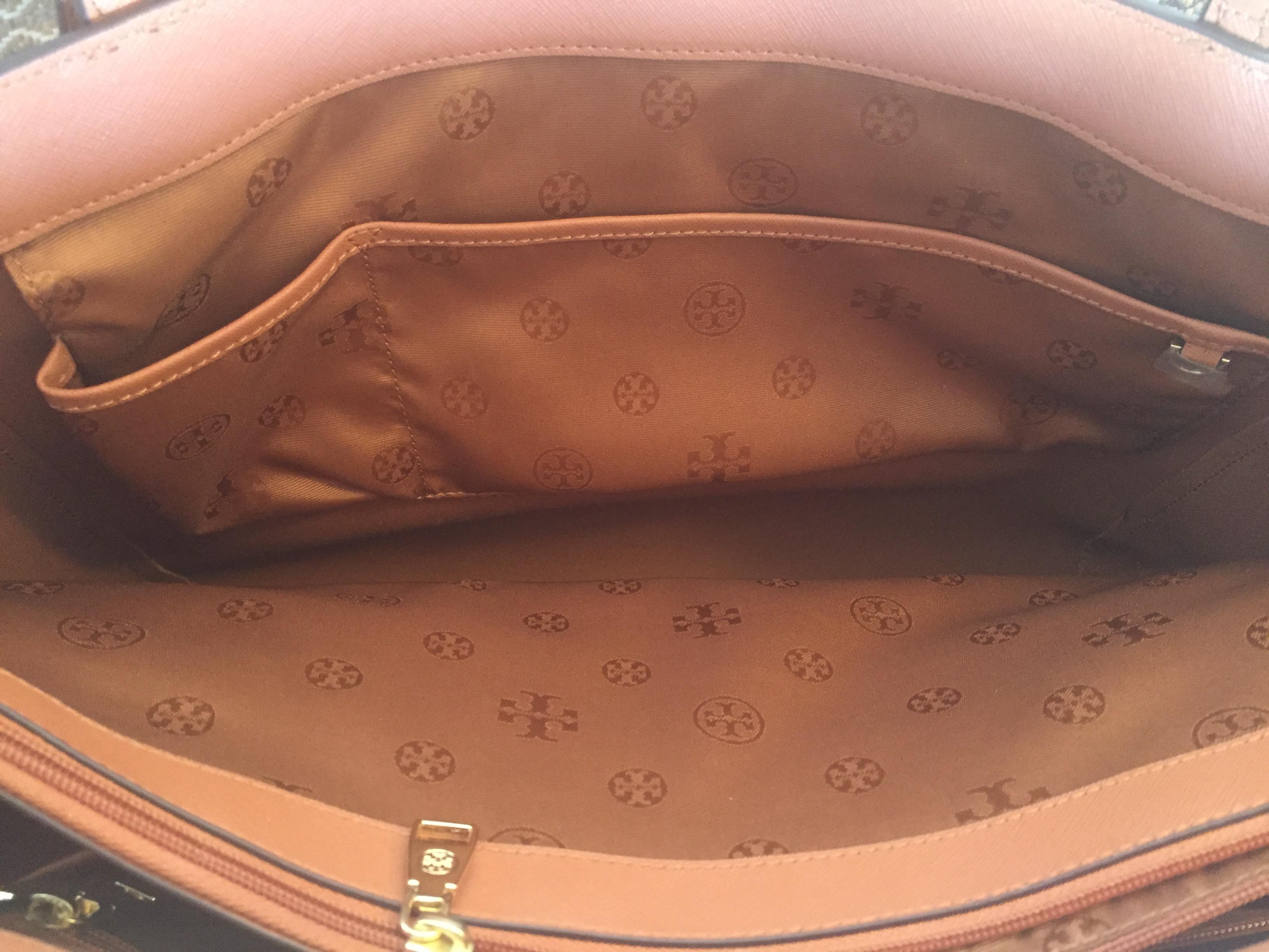 The Perfect Work Handbag Tory Burch York Buckle Tote Danetigress Small Black Img 7438
