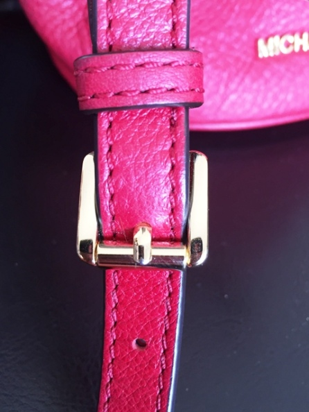 Strap adjustable buckle