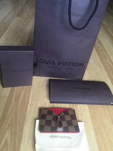 Louis vuitton caissa card holder review in store experience lets get on to the actual item i purchased the louis vuitton caissa card holder or porte cartes i featured it in my mothers day gift inspirations reheart Image collections