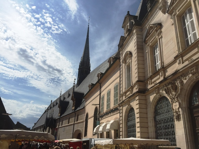 beaune danetigress blog travel market wine burgundy route vineyard